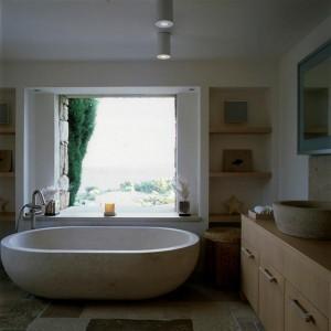 6.5. bad en wasbakje op maat gemaakt uit oude witsteen